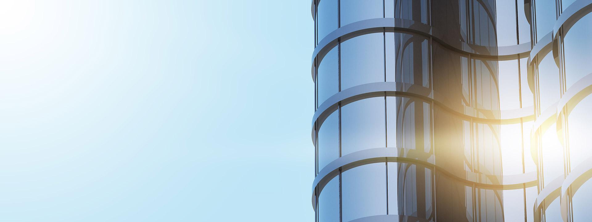 Η Πανελλήνια Ομοσπονδία Βιοτεχνών Αλουμινίου Σιδήρου έχει θέσει ως προτεραιότητα την πιστοποίηση τόσο των προσόντων του ανθρώπινου δυναμικού, όσο και των προϊόντων και υπηρεσιών που προσφέρουν οι επιχειρήσεις του κλάδου.